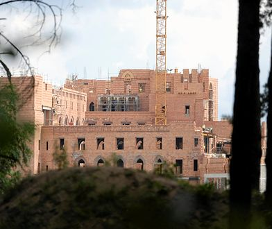 Sprawą budowy zamku zajmuje się m.in. prokuratura