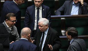 """""""Die Welt"""" pisze, że Jarosław Kaczyński jest """"wściekły"""" na premiera"""