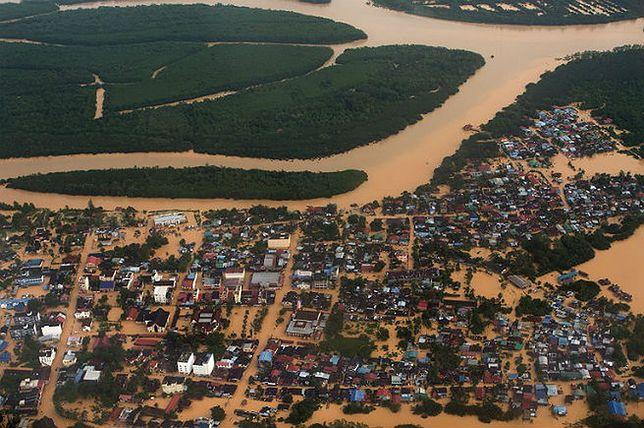 Potężna powódź w Malezji. 5 osób nie żyje, tysiące ludzi zmuszonych do opuszczenia domów