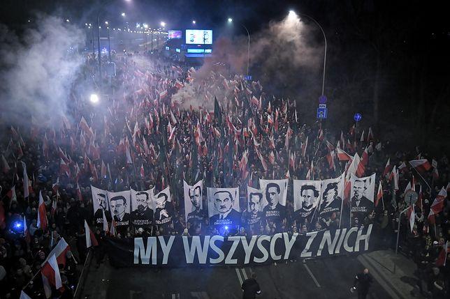 11 listopada. Marsz Niepodległości w Warszawie otworzy wspólna modlitwa. Uczestnicy odmówią różaniec na Rondzie Dmowskiego