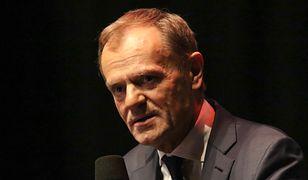 """Donald Tusk komentuje: """"Coście uczynili z naszą krainą"""". Nowy wpis byłego premiera i nawiązanie do Kazika"""
