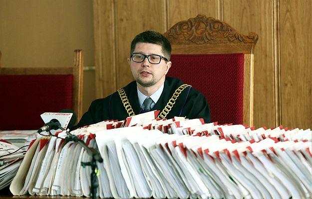 Sędzia Wojciech Łączewski na sali rozpraw
