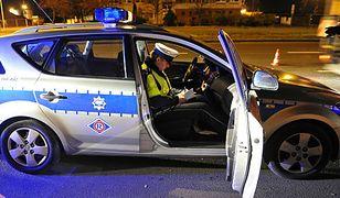 Policjanci zatrzymali kobiecie prawo jazdy