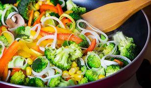 Smażenie zdrowsze od gotowania? Nowe wyniki badań zaskakują