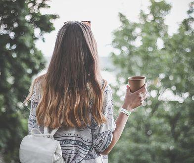 Jak zagęścić włosy? Pomocne mogą się okazać proste i wypróbowane sposoby