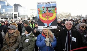 """""""Tu wolna jest Warszawa"""". Manifestacja KOD w stolicy"""