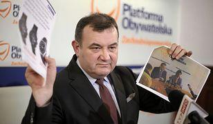 Gawłowski na konferencji prasowej przedstawiał dowody na swoją niewinność