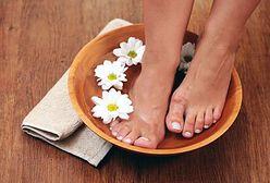 Pielęgnacja stóp i pięt - usuwanie zrogowaciałego naskórka