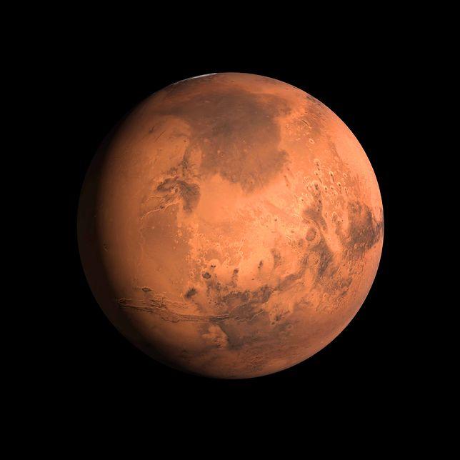 Marsa już można zauważyć na niebie