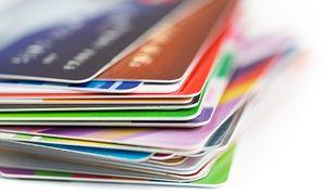 Hiszpańscy bankierzy z lewymi kartami kredytowymi