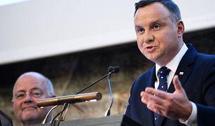 """Prezydent Andrzej Duda wygłasza wykład """"Przyszłość Europy - fundamenty jedności państw Europy"""". Zurich 10 października. Wykład zakłóciły okrzyki z sali: """"Konstytucja""""."""