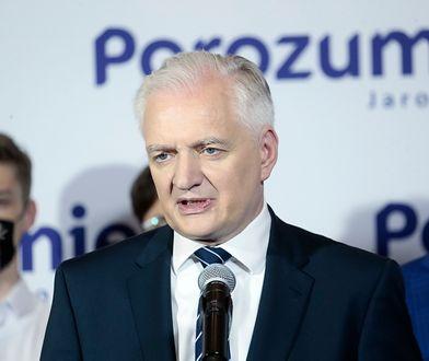 Polski Ład skłóci Zjednoczoną Prawicę? Polityk PiS odpowiedział Gowinowi