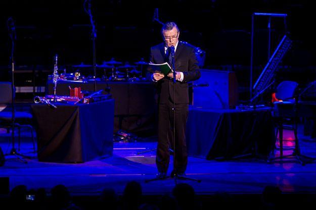 Minister Piotr Gliński przemawia podczas gali otwarcia Europejskiej Stolicy Kultury 2016