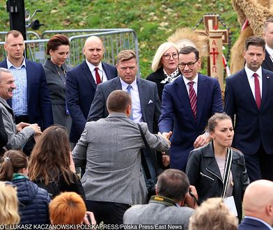 """Pierwsze ogólnopolskie święto """"Wdzięczni polskiej wsi"""" odbyło się w sanktuarium Matki Bożej Kębelskiej w Wąwolnicy"""
