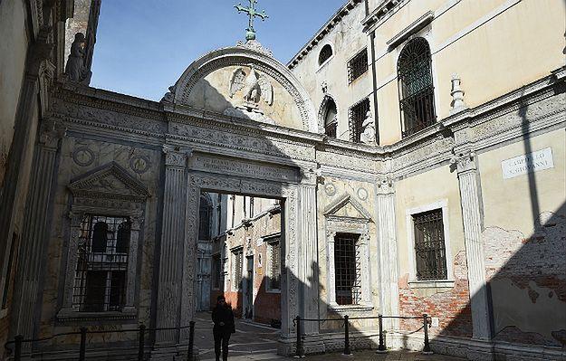 Komisja Wenecka przyjęła stanowisko ws. zmian w Trybunale Konstytucyjnym. Wiceszef MSZ: opinia jest według nas kontrowersyjna