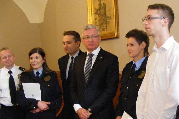 Strażniczki miejskie, które złapały zboczeńca nad Wartą dostały nagrody od prezydenta Poznania