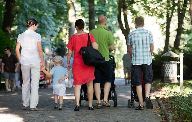 """NIK: """"rzeczywista kwota wydatków na politykę rodzinną jest nieznana"""""""
