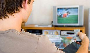 Polak po pracy - telewizor i zakupy