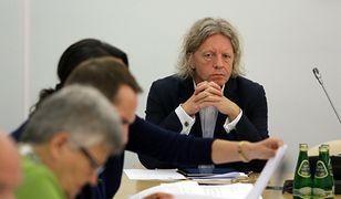 Krzysztof Mieszkowski podczas posiedzenia komisji kultury i środków przekazu.