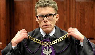 """Sędzia Igor Tuleya dla PiS jest """"polityczny"""", a jego wyroki argumentem nad zmianami w sądownictwie."""