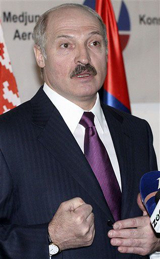 Prezydent Łukaszenka na kolacji u premiera Berlusconiego