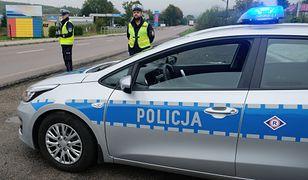 Policja apeluje o zdjęcie nogi z gazu