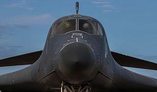 Bombowce Rockwell B-1B Lancer wracajądo służy po przymusowym uziemieniu