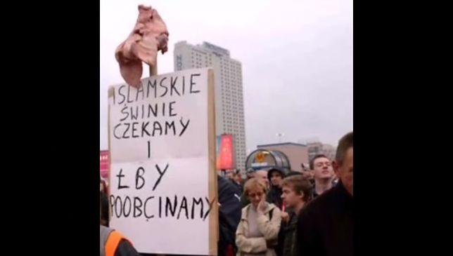 """Antyimigranckie hasła na transparentach pod lupą prokuratora. """"Nie dla islamskiej dziczy"""""""