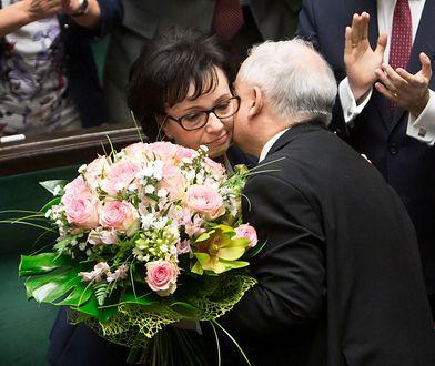 Jarosław Kaczyński gratuluje Elżbiecie Witek wyboru na stanowisko marszałka.