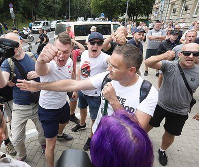 """""""Wydarzeniom w Białymstoku winne są małe zradykalizowane grupki — te grupki to siejący nienawiść politycy, biskupi i szeregowi księża, a także przywódcy narodowców"""""""