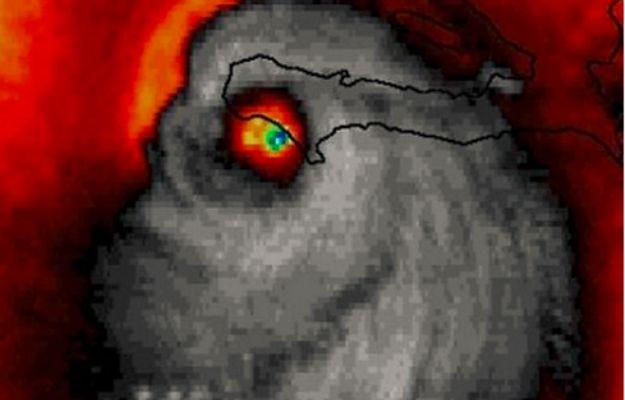 NASA pokazuje zdjęcie satelitarne huraganu Matthew