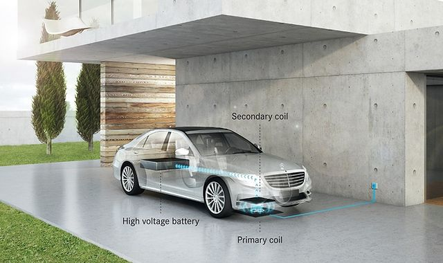 Mercedes i BMW: hybrydy z wtyczką, ale bez kabla