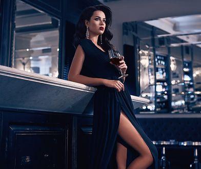 Suknie wieczorowe zawsze wyglądają efektownie