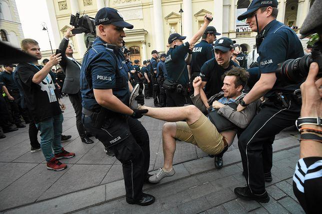 Obywatele RP o lipcowej miesięcznicy: policja może użyć gazu