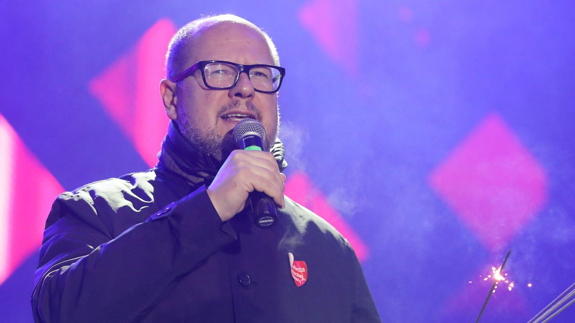 Paweł Adamowicz na gdańskiej scenie 27. Finału WOŚP
