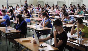 Koronawirus. Studenci z kaszlem będą wypraszani z zajęć na wydziale UW