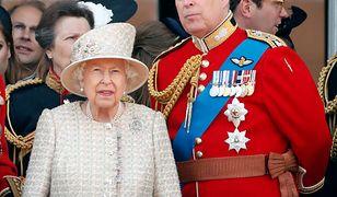 Elżbieta II wściekła na syna. Odwołała 60. urodziny księcia Andrzeja