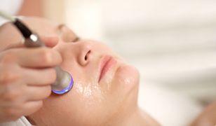 Peeling medyczny jest szczególnie polecany przy trądziku i przebarwieniach.