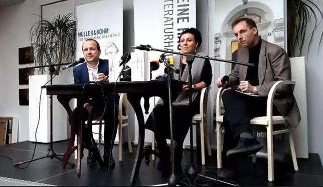 Do tej pory Olga Tokarczuk udzielała wywiadów w Niemczech podczas trasy promocyjnej