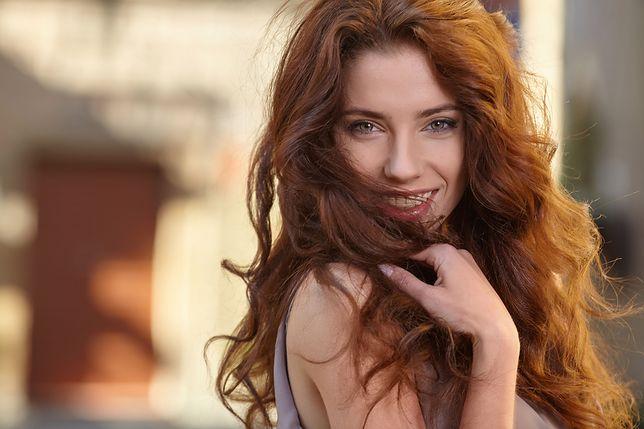 Sauna na włosy sprawi, że odżywka lepiej wniknie w cebulki włosów
