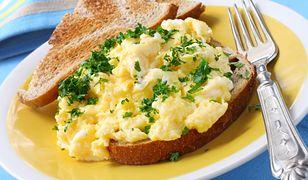 Jajecznica powinna być delikatna i puszysta