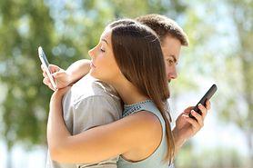 Sygnały świadczące o tym, że partner cię zdradza. Przyjrzyj się uważnie