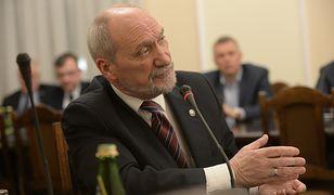Antoni Macierewicz nie był zadowolony z uwag posła Mroczka