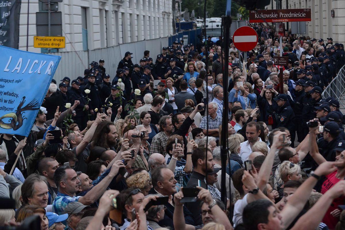 Telewizja Republika o kontrmanifestantach: UBywatele i KODomici