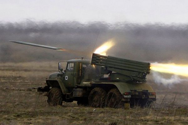 Rosyjska wyrzutnia BM-21 Grad w trakcie manewrów przeprowadzonych niedawno w rejonie Wołgogradu