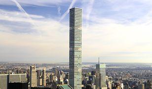 Jeden z nowych symboli Nowego Jorku. Życie w tym drapaczu chmur to koszmar