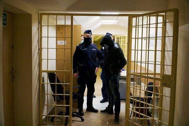 35-latek był już w przeszłości wielokrotnie poszukiwany i karany za podobne przestępstwa
