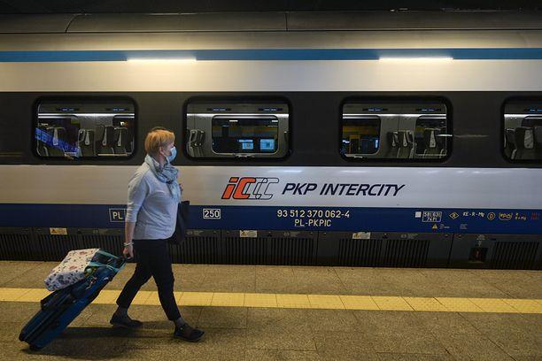 Dworzec PKP w Krakowie (Photo by Artur Widak/NurPhoto via Getty Image)