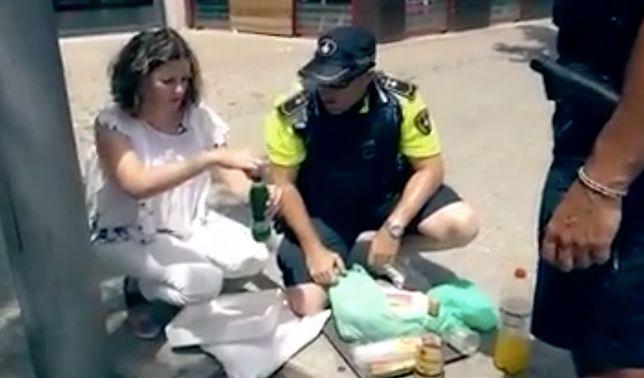 Oszuści w Barcelonie. Oferują turystom drinki przygotowywane na bazie podejrzanych substancji
