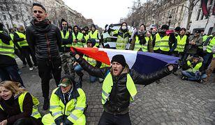"""Francja: protesty """"żółtych kamizelek"""" skutkują wzrostem przemocy. Francuski rząd zaostrzy środki ostrożności"""